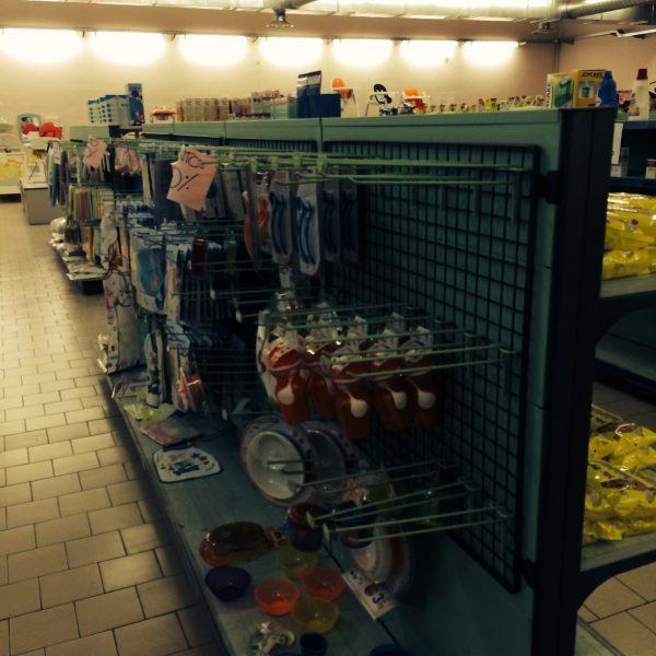 Scaffale per negozio usato - Shop metal shelves S.G.A. Srl
