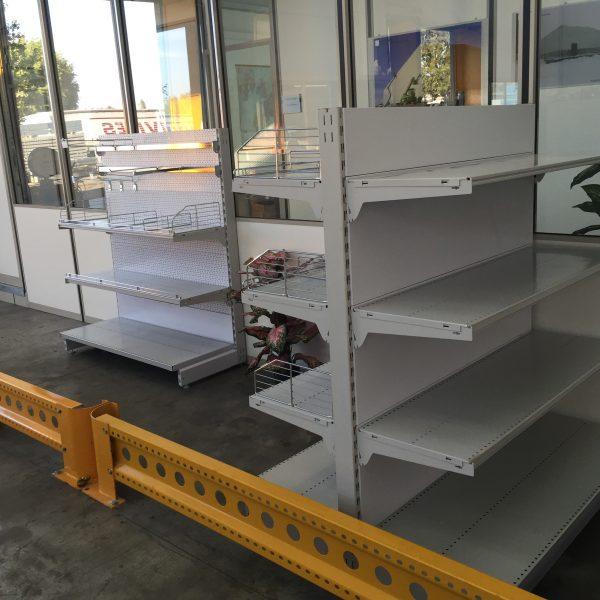 Scaffali A Gondola Usati.Gondole Murali Per Negozio Sga Scaffalature E Soluzioni Logistiche